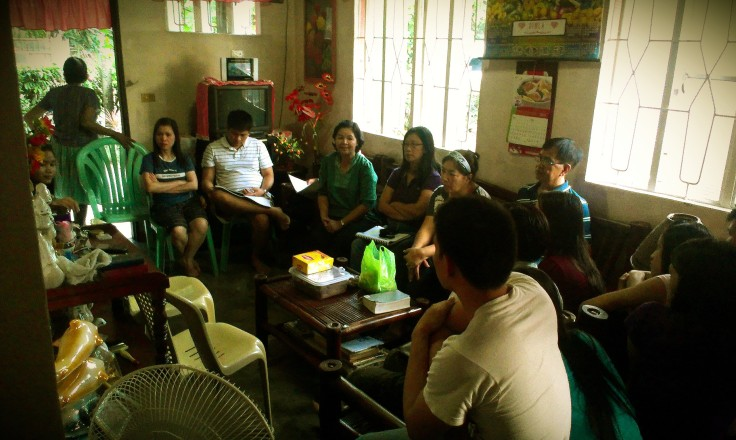 One of the sessions of our 12-Week Story of God with the family and friends of Danilo and Rosanna Dimla in San Luis, Pampanga