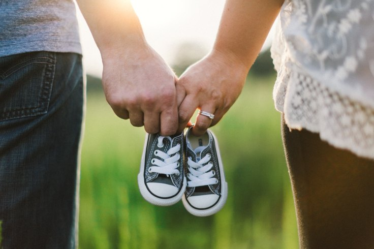 couple-tiny-sneakers-family